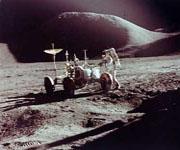 Притяжение Луны - меньше земного в 6 раз!