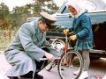 Юрий Гагарин с дочкой